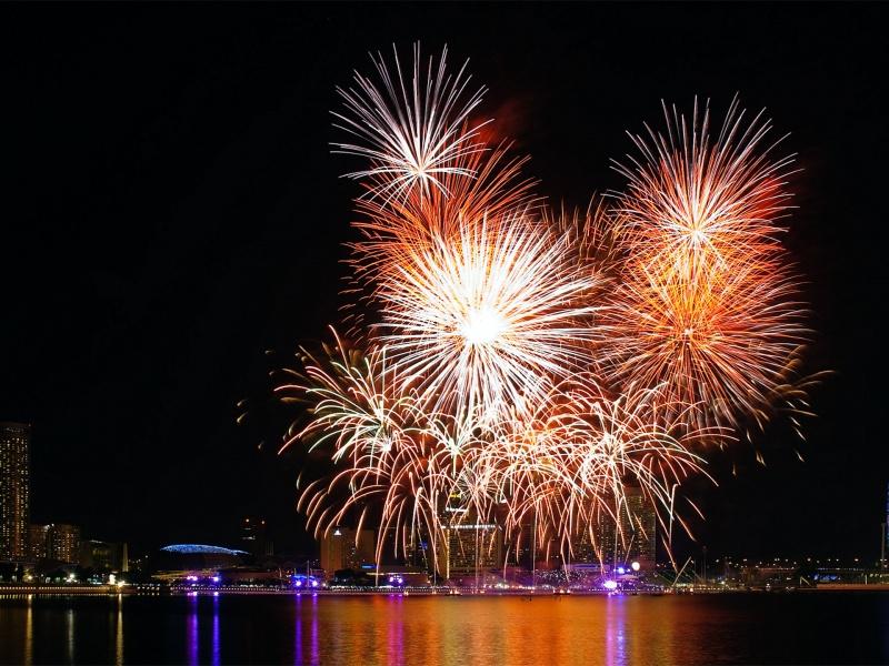 New_years_wallpaper_fireworks-800x600